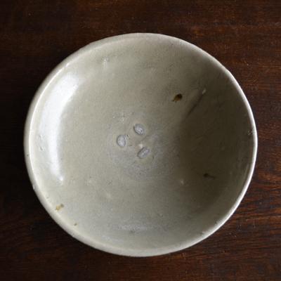 尾形アツシ/キナリ粉引浅鉢(薪)