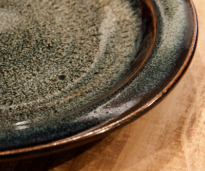 【TAKEBITO】小石原焼 リム付パン皿 飛びカンナ海鼠釉