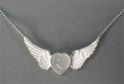 ハートムーンストーンに天使の羽ネックレス(大)【送料無料】