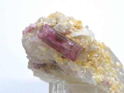紅電気石と水晶・Elbaite on Quartz