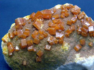 モリブデン鉛鉱・Wulfenite