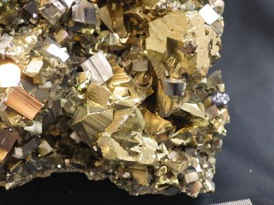 JKM08 黄銅鉱と黄鉄鉱・Chalcopyrite&Pyrite 秋田県小坂鉱山