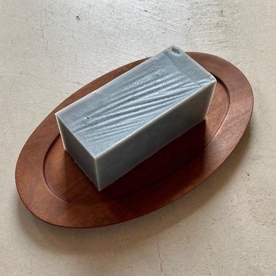 炭入りで汚れをしっかり落とす| 季節の石鹸702 炭石鹸NOIR(ノアール)(ブロック約400g)  (lot.2009)