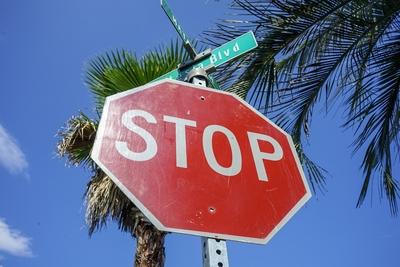 ロードサイン STOP (小)