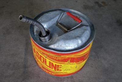 ビンテージ ガソリン缶