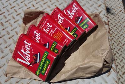 Velvet ビンテージタバコ缶