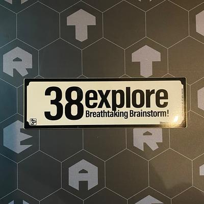 38exploreステッカーロング
