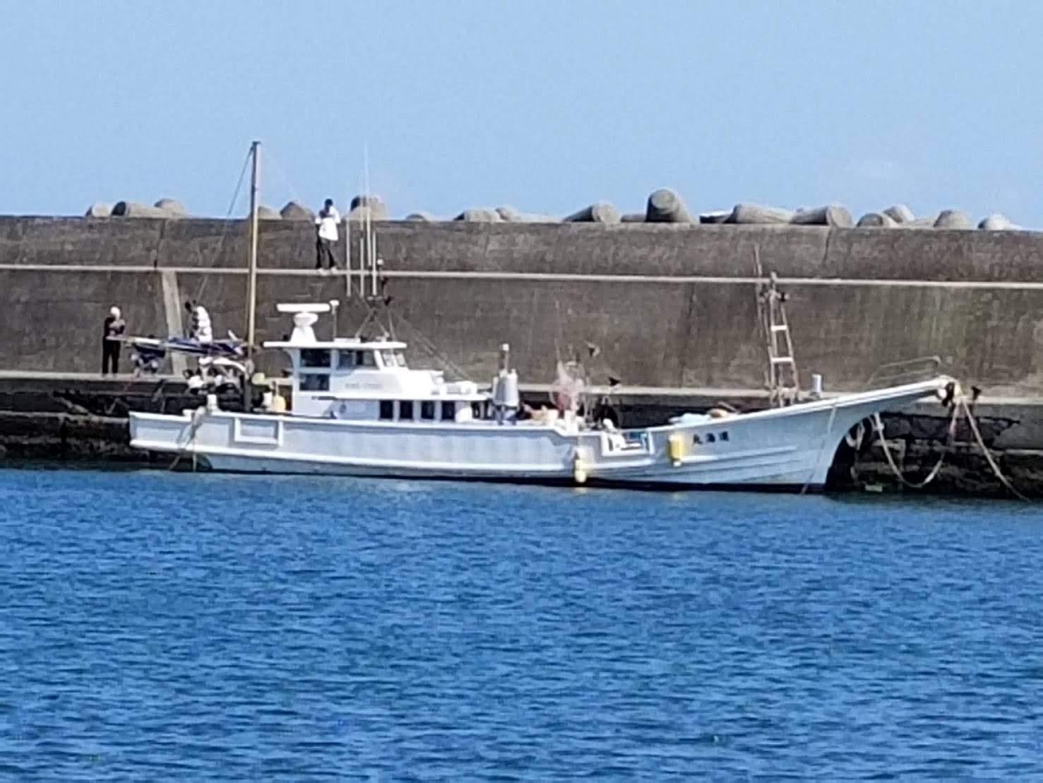 神奈川県湯河原町福浦港にて運海丸です。 これでシラスを取りに行ってます