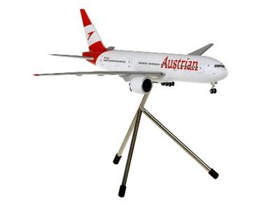 1/200  B777-200 オーストリア航空 ランディングギア・三脚スタンド付属
