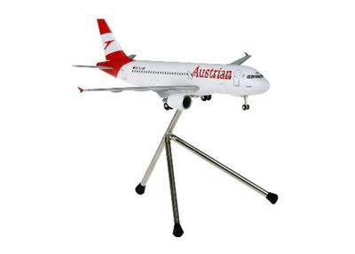1/200  AUA002A320 オーストリア航空 ランディングギア・三脚スタンド付属