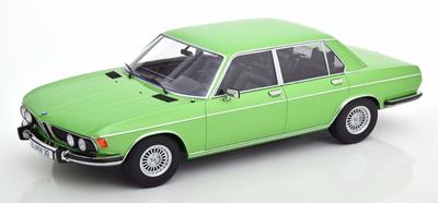 1/18  BMW 3.0S E3 2.Series 1971      Bodyカラー lightgreen-metallic