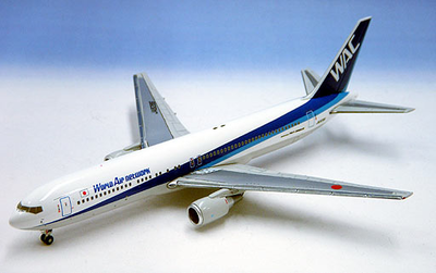 1/400  B 767-300ER WACワールドエアーネットワーク    REG No,JA8286