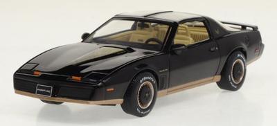 Ixo  1/43ポンティアック ファイアーバード 1982 ブラック