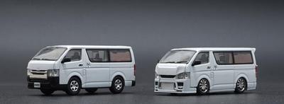 1/64 トヨタ ハイエース 2015  ホワイト RHD
