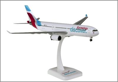 1/200  A330-300 ユーロウイングス ランディングギア・スタンド付属