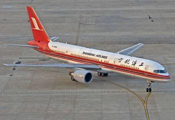 B757-200 (B-2880) 上海航空(SHANGHAI AIRLINES) 中国