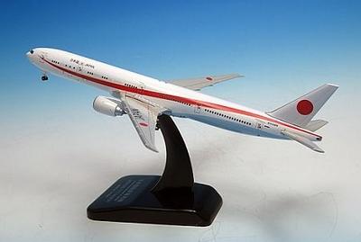 777-300ER 次期政府専用機 N509BJ ダイキャストモデル、木製台座付