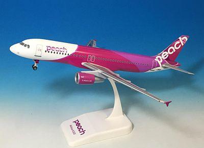 A320-200 ピーチ・アビエーション JA801P 人気の機体番号2種での登場、限定生産