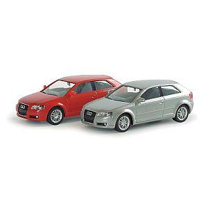 乗用車/商・公用車 アウディ A3 Sportback レッド,メタリックカラー