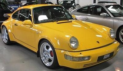 ポルシェ 911 ターボ 1990 イエロー