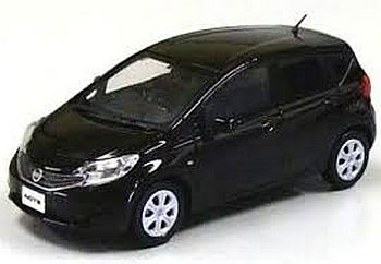 NISSAN NOTE (オーロラモーヴ)