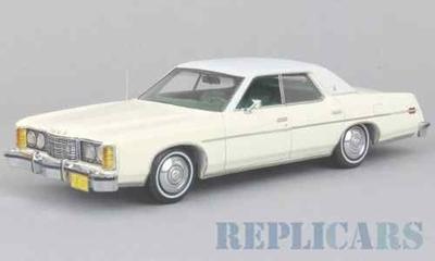 フォード LTD 1973 グレー/ホワイト