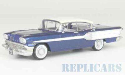 ポンティアック スターチーフ 4ドアセダン 1958 ブルー/ホワイト
