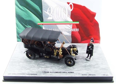 フィアット 60CV イタリア軍警察設立200周年記念 フィギュア2体付