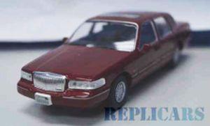 リンカーン タウンカー 1996 メタリックレッド