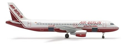 A320 エアーベルリン (乗降扉は開いた状態、タップ付き)