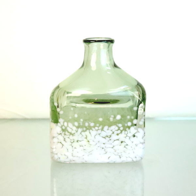 Azzurro Glass Studio flower base・花瓶 keshiki-bottle-smokedgreen-ivory