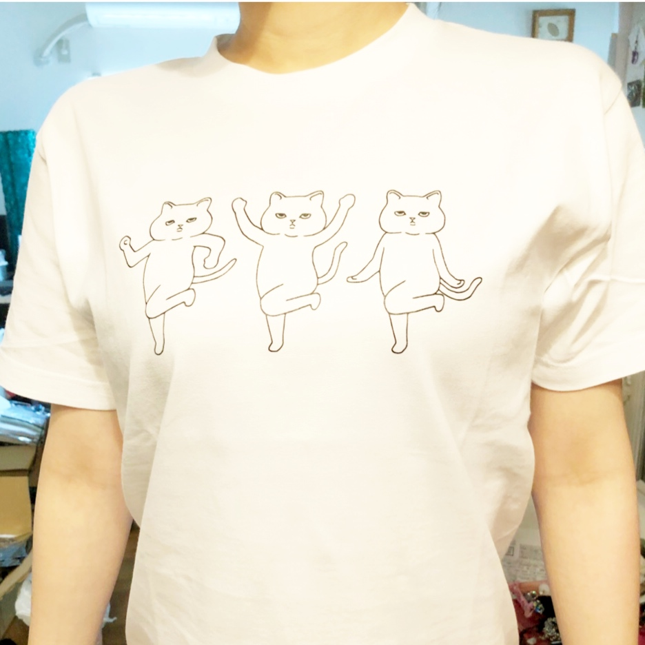 クスッと笑えるなんとも言えないネコ達の動きが人気です。