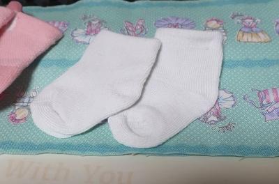 白い靴下1足 身長40㎝くらい~50㎝くらいのドールサイズ