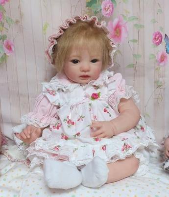 ドール服 薄ピンクワンピースと花柄エプロン 40㎝くらいサイズ