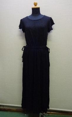 CHILLE サイドリボン袖フリルワンピース 半袖 ブラック(F) 527-5646