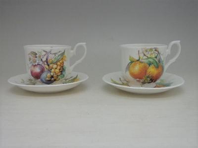 ROYAL WINCHESTER ロイヤルウィンチェスター カップ&ソーサー 白色 フルーツ柄 2客セット