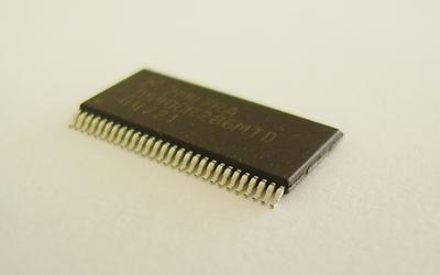 CMOS-LVDS変換器 DS90CR285MTD