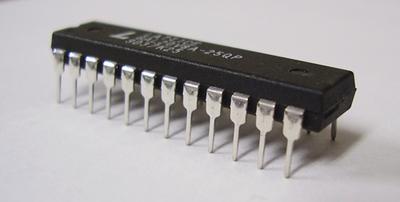 プログラマブルロジック GAL20V8A-25QP