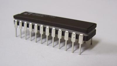 プログラマブルロジック PAL22V10-15DC