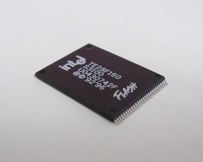 FlashFile MEMORY TE28F160S3-100