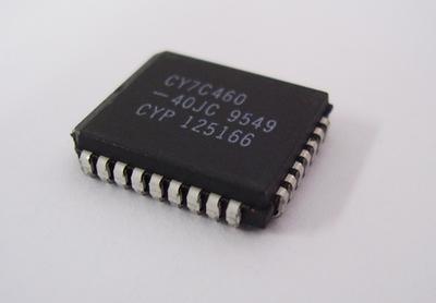 8K×9 非同期FIFO CY7C460-40JC