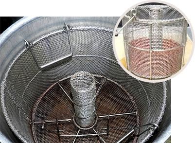 専用の煮籠