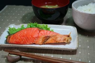 紅鮭甘口切身1切(70g)