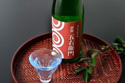 伊賀五右衛門 純米吟醸(300mL / 720mL)