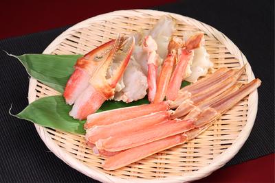 お刺身でも食べられるカット済み生ズワイガニ(約600g)