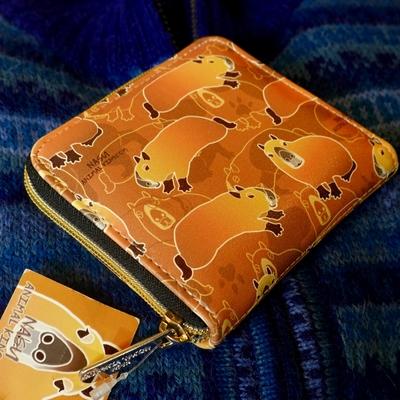 カピバラ柄 ファスナー二つ折り財布