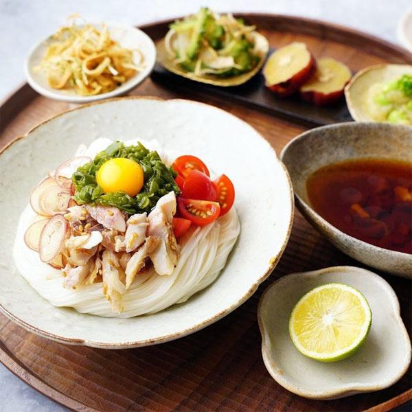 ほぐしアジとネバネバ具材の冷やしぶっかけ素麺
