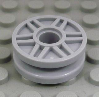 %56902 車輪[新灰](直径18mm、スポーク、ペグ穴)