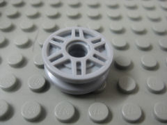 %13971 車輪[新灰](直径18mm、スポーク、ペグ穴、新タイプ)