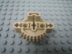 %44810 バイオニクル胴体[タン](9歯ギア、軸穴x3、ペグ穴x2)